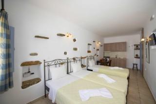 Triple studio stavroula bedroom