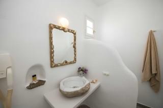Triple studio stavroula shower
