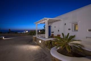 stavroula luxurious mykonos studios exterior