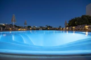 stavroula luxurious studios swimming pool