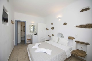 traditional double room stavroula double bedroom