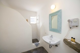 traditional studio stavroula bathroom