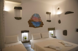 triple traditional room stavroula beds